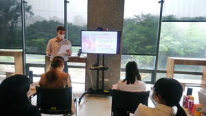 "IMAS student Julian Tash presenting his research ""European Expansion in the Pacific during the 16th and 17th Centuries""(Photo: IMAS)"