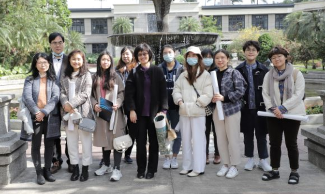 Dean Tu leads ICI field trip to Taiwan Design Center