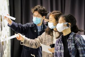ICI students try out the displaying item.(Photo Source:International College of Innovation)(Open new window/jpg file)